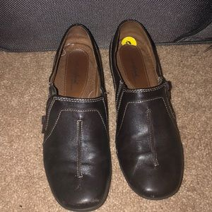 Naturalizer brown leather slip on loafer shoes